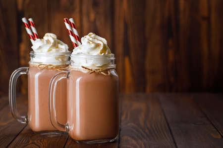 chocolate milkshake in mason jar Zdjęcie Seryjne - 157064873