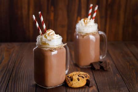 chocolate milkshake in mason jar Zdjęcie Seryjne