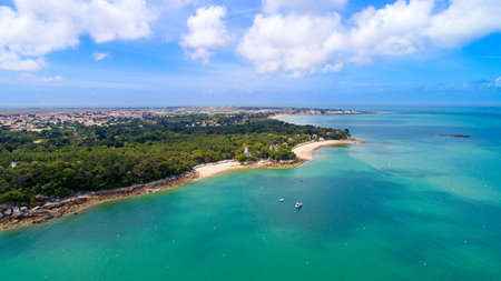 Aerial view of the Anse Rouge bay in Noirmoutier Фото со стока - 87635547