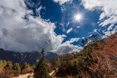 山の美しい自然の風景。サガルマータ国立公園、ネパール ヒマラヤ マウンテン ビュー