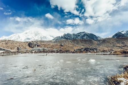 青空の山の風景パノラマビュー 写真素材