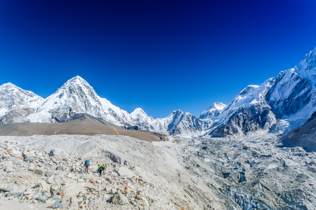 ドラマチックな空の山の風景 写真素材