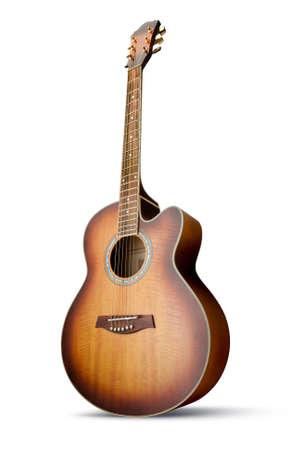 guitarra acustica: Guitarra ac�stica cutaway que aislados sobre fondo blanco Foto de archivo