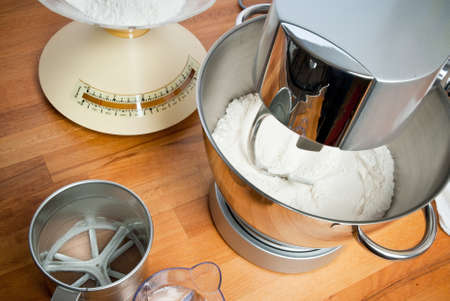 ambientation with kneading machine and acessories to prepare the dough