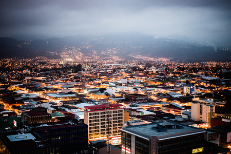 Panoramic view of the city of San Jose, Costa Rica at sunset 에디토리얼