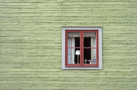 屋外のスウェーデン博物館の村からのスカンジナビア風のレトロなカスケード