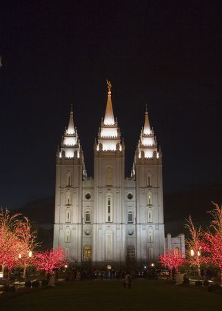 lds: The Salt Lake City, Utah LDS (Mormon) temple taken at night at  time