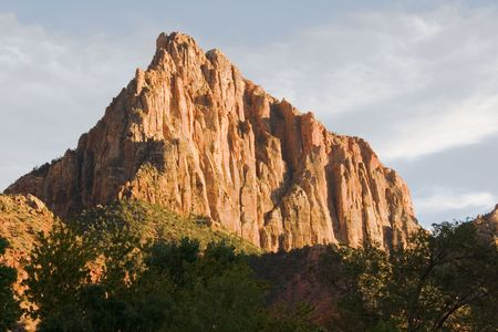 Watchman rock formation formed by water erosion formed by the Virgin River n Zion National Park Utah Imagens