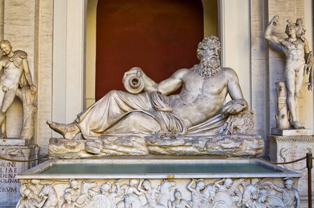Oud beeld uit de Griekse mythologie in het Vaticaanstadsmuseum