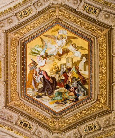 ciudad del vaticano: Pintura muy antigua en el techo de una sala del Museo de la ciudad del Vaticano