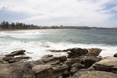 바위와 바다 Maly 비치, 뉴 사우스 웨일즈, 시드니, 호주 스톡 콘텐츠