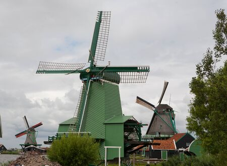 Authenticate Dutch windmills in the countryside at Kinderdijk outside of Amsterdam, The Netherlands Stock Photo - 13009682