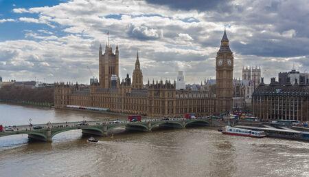 Big Ben, Houses of Parliament, and bridge across the River Thames in London, England Reklamní fotografie
