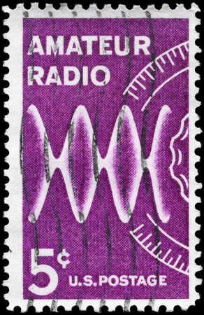 USA - CIRCA 1964: A Stamp printed in USA devoted to Honoring radio amateurs on the 50th anniv. of the American Radio Relay League, circa 1964 Imagens