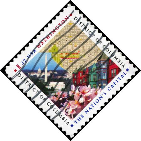 rij huizen: VS - CIRCA 2003: Een stempel gedrukt in de Verenigde Staten laat zien Kaart, National Mall, Rij Huizen en Cherry Blossoms, Disrict van Columbia, circa 2003