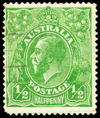 AUSTRALIA - CIRCA 1915: A Stamp printed in AUSTRALIA shows the portrait of a King George V, value of Halfpenny, series, circa 1915 Stock Photo - 16375911