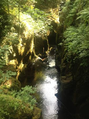 lake district: Waterfall walk in Lake District