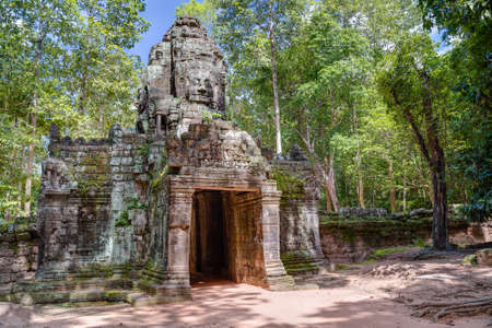 Western entrance to Ta Prohm temple