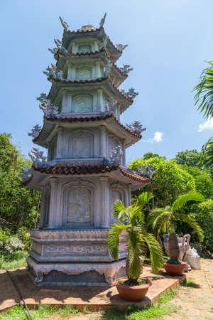 tam: Tam Thai Pagoda in Marble Mountains, Vietnam