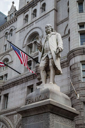ben franklin: Benjamin Franklin Statue, Old Post Office Building, Washington, DC