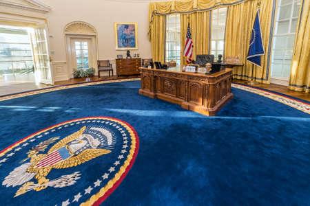 Little Rock, AR / USA - intorno al febbraio 2016: Replica di Casa Bianca di Ovale in William J. Clinton Presidential Center e Biblioteca a Little Rock, Arkansas Archivio Fotografico - 54841881