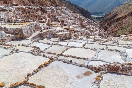 evaporacion: Sal estanques de evaporaci�n y minas construidas por los Incas en Maras, Per�
