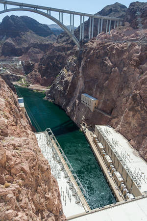 hoover dam: Hoover Dam also known as Boulder Dam, in the Black Canyon of the Colorado River, on the border between Nevada and Arizona, USA