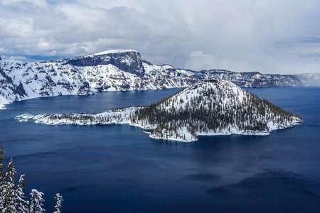 crater lake: Wizard Island in caldera lake in Crater Lake National Park, Oregon, USA Stock Photo