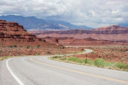 gunsight: Highway in Glen Canyon National Recreation Area