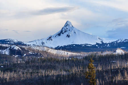 oregon  snow: Mount Hood in Oregon covered with snow, USA
