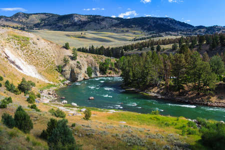 Yellowstone River at Yellowstone National Park, Wyoming, USA 版權商用圖片 - 58601073
