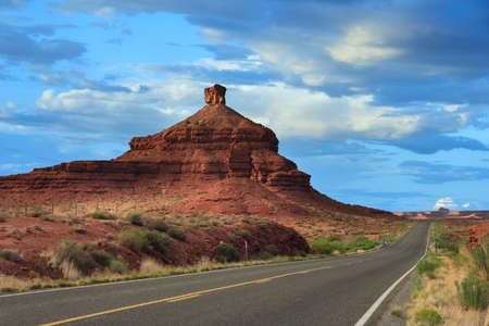 Formations at Valley of the Gods, Utah, USA 版權商用圖片 - 58601092