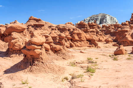 Hoodoo Rock pinnacles in Goblin Valley State Park, Utah, USA 版權商用圖片