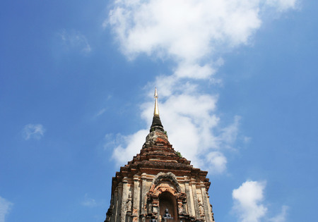 Pagoda at  Lok Molee temple on beautiful  blue sky in Chiang Mai, Thailand. 스톡 콘텐츠