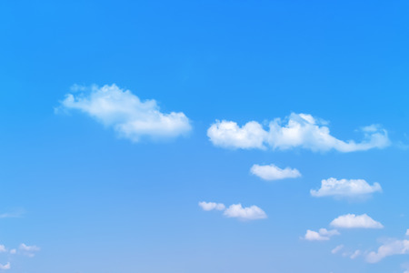 Blue sky background with white clouds group pattern and breeze 版權商用圖片