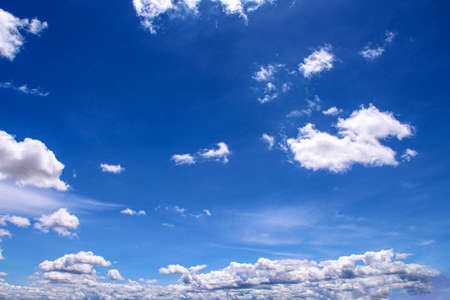 White clouds sky bright blue nature summer background 版權商用圖片