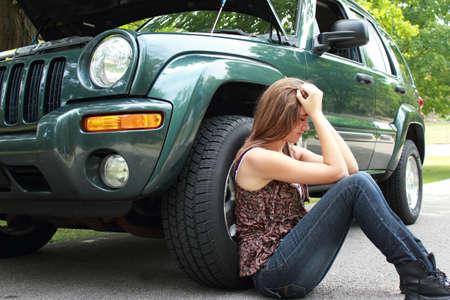 in trouble: Desglosado coche Foto de archivo