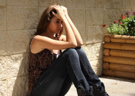 verdrietig meisje: Depressieve tiener Stockfoto