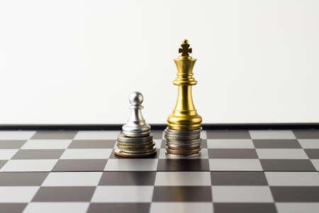 Argent jeu d & # 39 ; échecs de l & # 39 ; entreprise de l & # 39 Banque d'images - 83443932