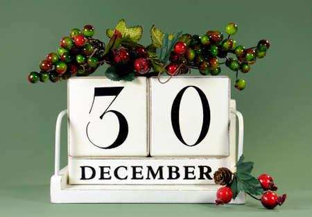 calendario diciembre: Guarde el calendario de la fecha con los colores del tema de invierno, frutas y flores, para los cumpleaños, ocasiones especiales, días de fiesta, bodas o eventos de sitios web, para el 30 de diciembre.