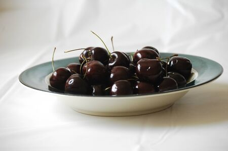 Bowl of cherries Stok Fotoğraf