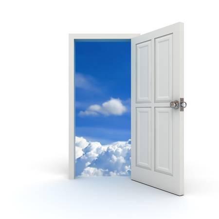 salir puerta: Abrir la puerta blanca con el concepto de cielo Foto de archivo