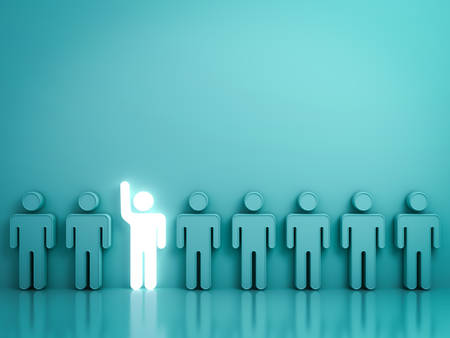 Se démarquer de la foule et d'un concept différent, Un homme léger et lumineux levant sa main parmi d'autres personnes sur fond vert avec des reflets et des ombres. Rendu 3D.