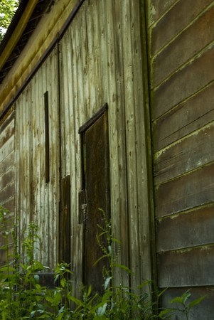 角度のついた: この古い納屋の斜めビュー。