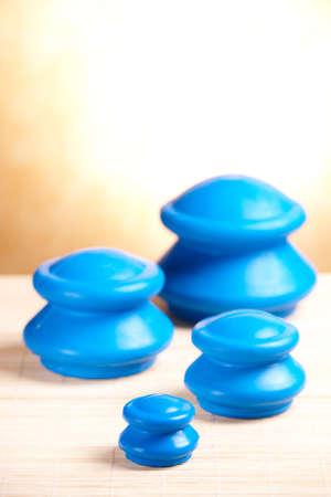 traditional chinese medicine: Ahuecamiento de cristal hecha de goma, es un tipo de medicina tradicional china de ahuecamiento de cristal.
