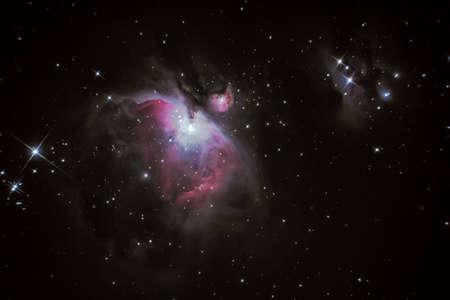 M42 nebulosa di Orione situata nella Via Lattea circa 1300 anni luce dalla Terra