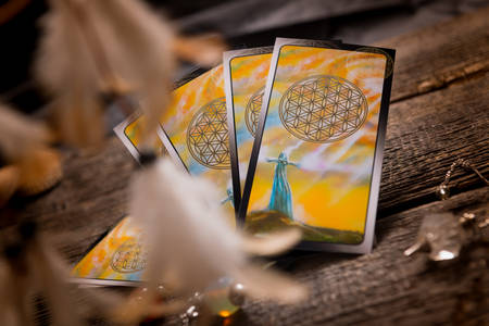 telepathy: Tarot cards and other fortune tellers accessories