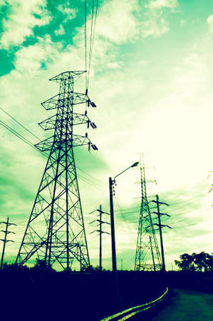 torres el�ctricas: Distribuci�n de energ�a de red - Electricidad Pilones