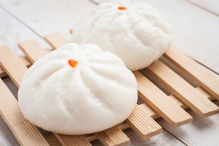 chinesisch essen: Gedämpfte BBQ-Schweinefleisch-Brötchen, Chinesisch bun