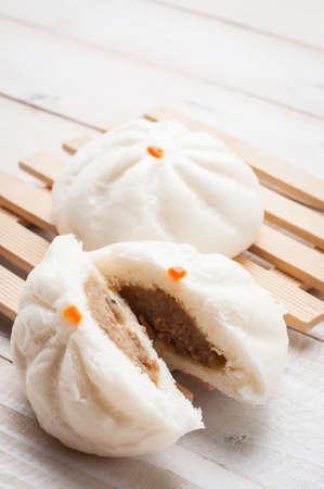 Gestoomde BBQ-varkensvleesbroodjes, Chinees broodje